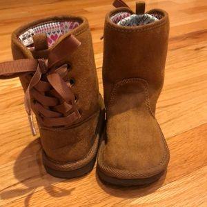 EUC Adorable Carter's Slip On Boots